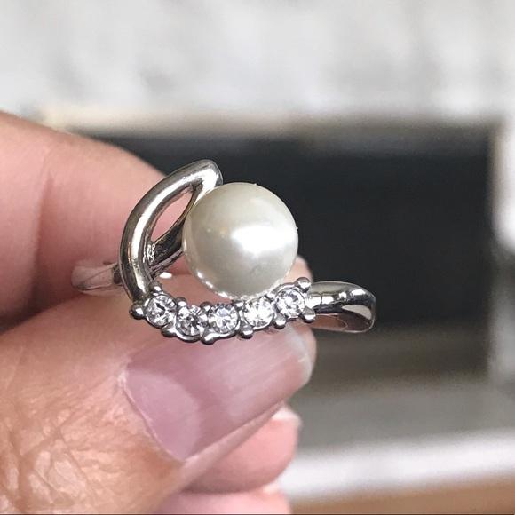 Pearl & Cubic Zirconia Ring
